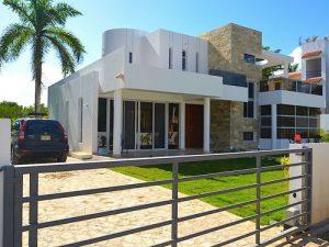 dom v dominikane kupit 300x225 - Modern Homes Cabarete
