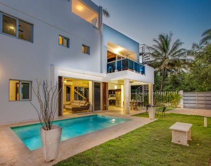 modern home 6 423x333 - Modern Homes Perla Marina